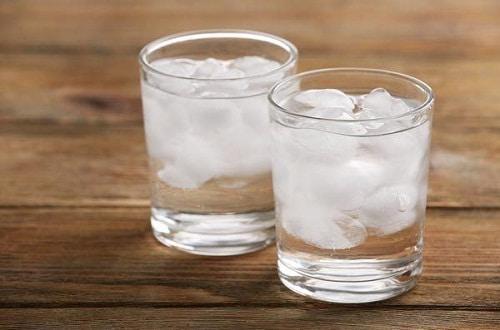 ดื่มน้ำอุ่น