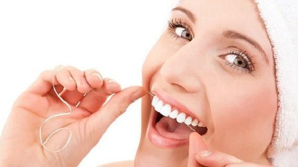 การใช้ไหมขัดฟัน